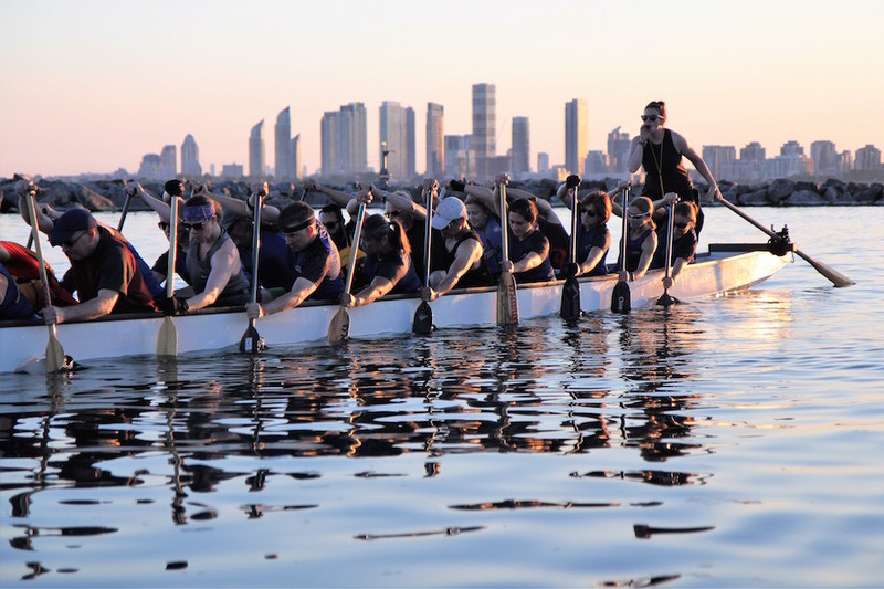 Source: https://www.seewhatshecando.com/discover/dragon-boat-racing-a-great-way-to-experience-the-spirit-of-teamwork