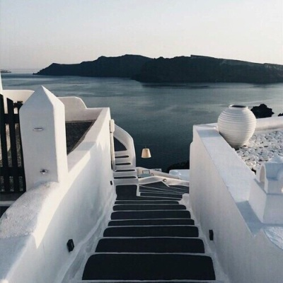 Source: https://weheartit.com/entry/245535103?context_page=13&context_query=stairs+greece&context_type=search