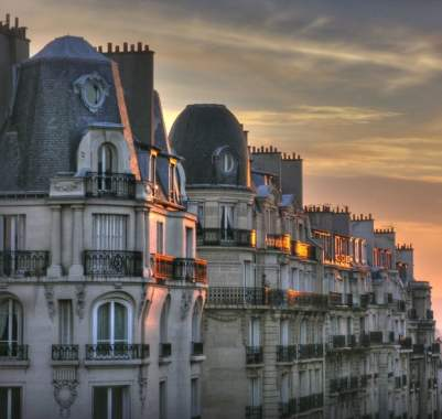 Source: https://weheartit.com/entry/323623298?context_page=3&context_query=france+building&context_type=search