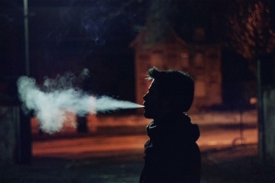 Source: https://weheartit.com/entry/120731733?context_page=6&context_query=smoker+photography&context_type=search