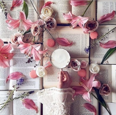 Source: https://weheartit.com/entry/325892859?context_query=pink+books+photography&context_type=search
