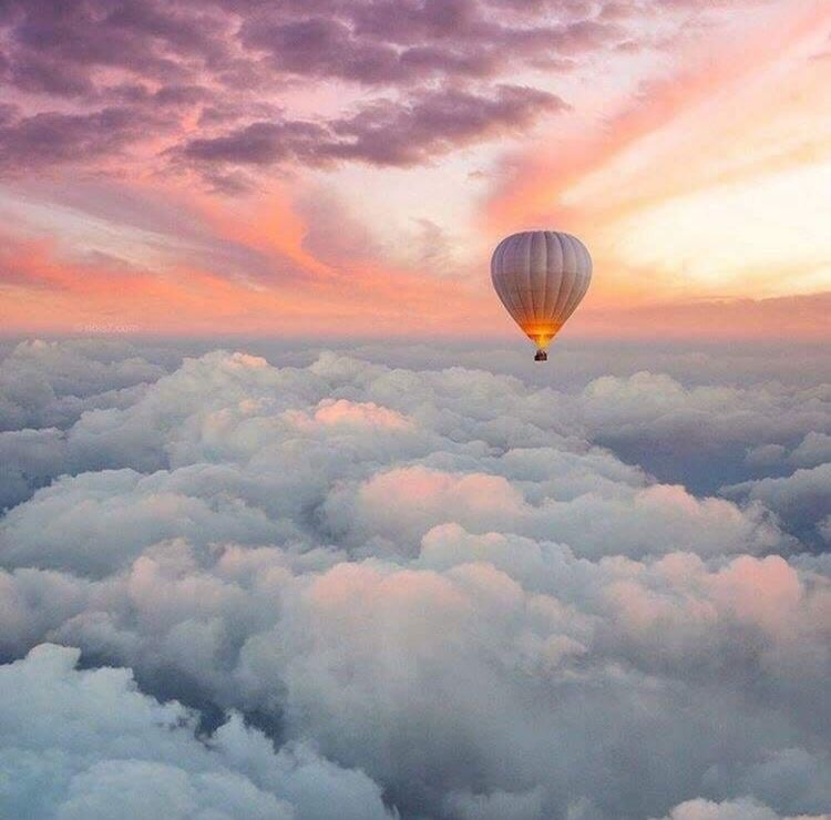 Source: https://weheartit.com/entry/326307724?context_query=balloon+photography&context_type=search