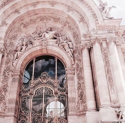 Source: https://weheartit.com/entry/318245964?context_page=3&context_query=pretty+door&context_type=search
