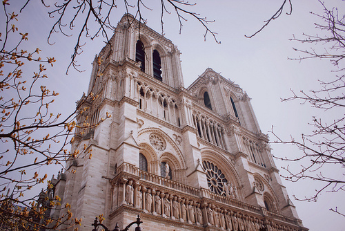 Source; https://weheartit.com/entry/143707761?context_page=6&context_query=notre+dame+photography&context_type=search