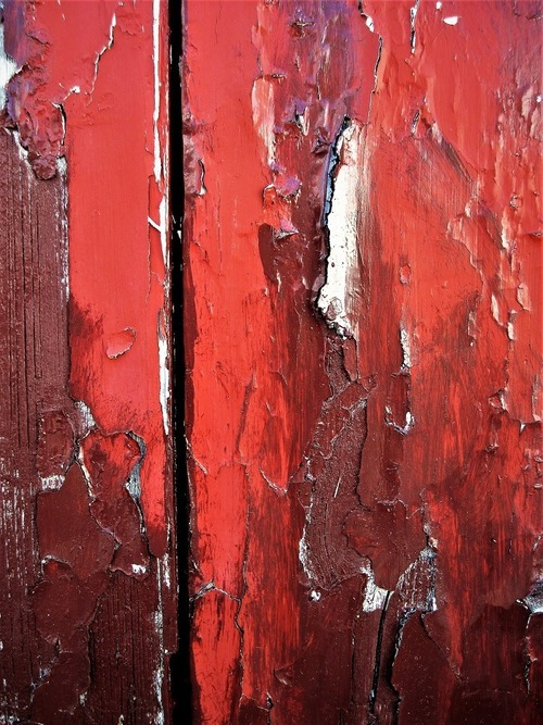 Source: https://weheartit.com/entry/296784760?context_page=5&context_query=red+paint+photography&context_type=search