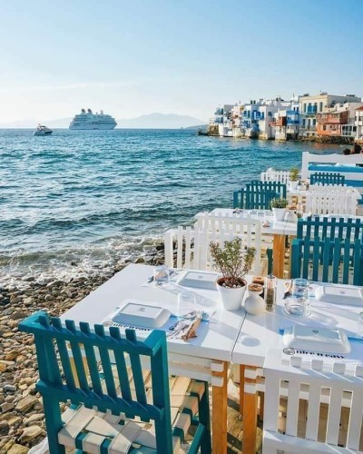 Source: https://weheartit.com/entry/331766847?context_query=greece+beach+photography&context_type=search