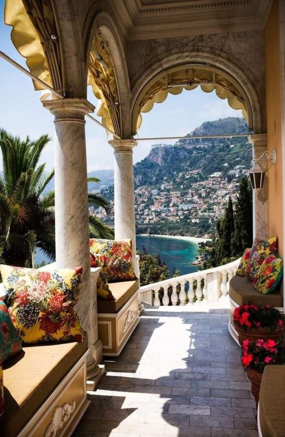 sOURCE: https://weheartit.com/entry/315804834?context_query=french+riviera+photography&context_type=search