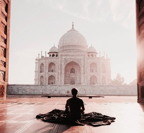 Source: https://weheartit.com/entry/297231648?context_query=sunrise+photography+india&context_type=search