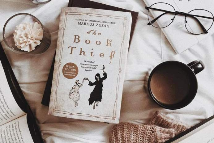 Source: https://weheartit.com/entry/307960859?context_page=8&context_query=book+thief&context_type=search