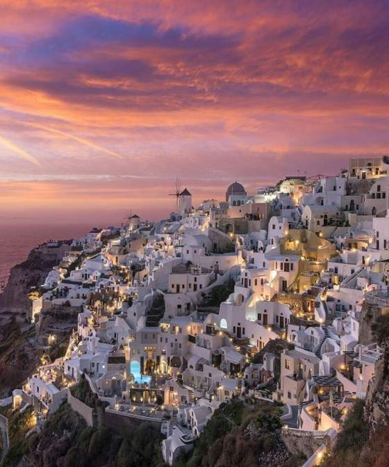 Source: https://weheartit.com/entry/332725037?context_page=3&context_query=greece&context_type=search