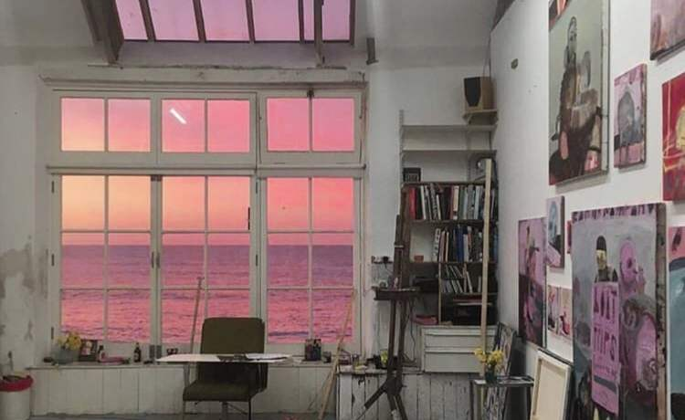 Source: https://weheartit.com/entry/333431239?context_query=painting+photography&context_type=search